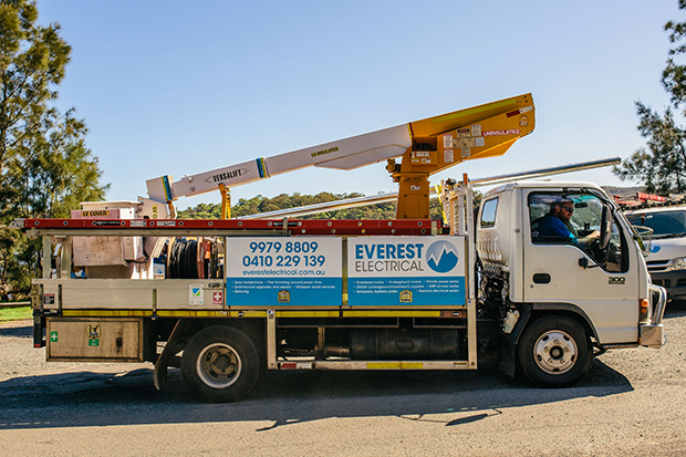 Power Pole Installation Everest Electrical Truck